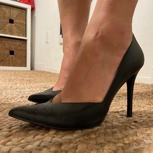 Enzo Angiolio black leather pumps heel stiletto